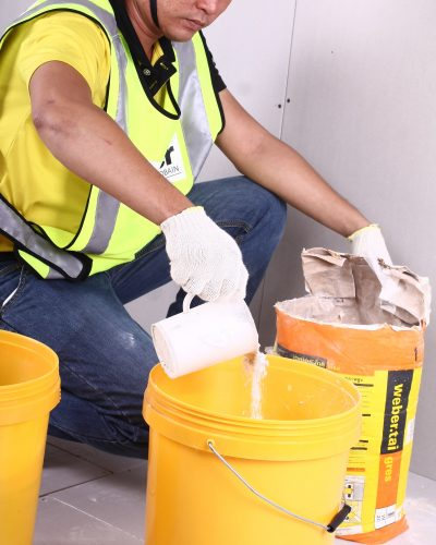 IMG 7292 400x500 - Hướng dẫn cách thi công giấy dán tường