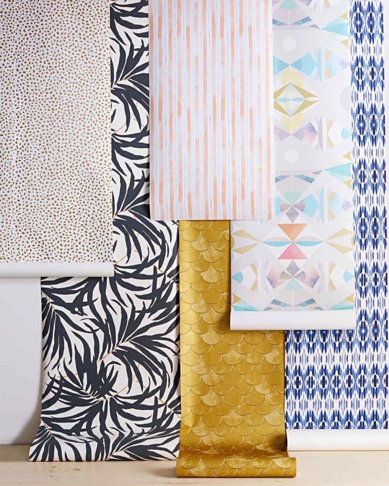 peel off wallpaper samples 102881039 2 vert 768x960 - Làm thế nào để chọn được loại giấy dán tường tốt nhất và rẻ nhất tphcm